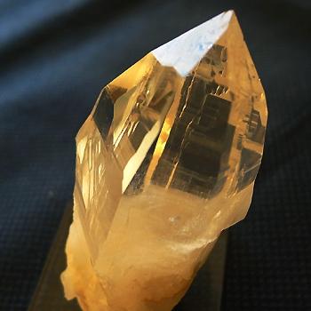 ヒマラヤ水晶原石透明・ミラー水晶013