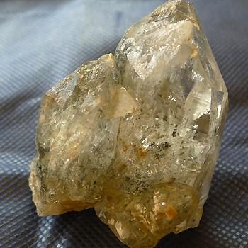 ヒマラヤ水晶原石特殊内包物020