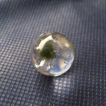 ヒマラヤ水晶丸玉・置物内包物入り001