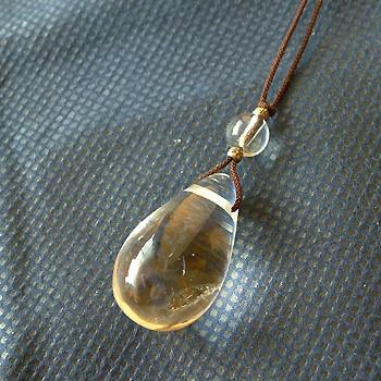 ヒマラヤ水晶紐付きチョーカー透明水晶025