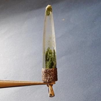 ヒマラヤ水晶ペンダント緑泥石入り057