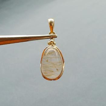 ヒマラヤ水晶ペンダント針金形状内包物068