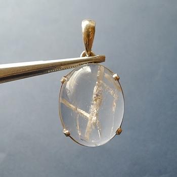 ヒマラヤ水晶ペンダント特殊内包物027